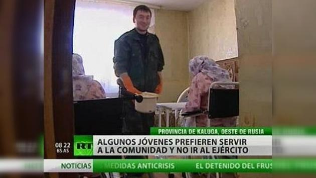Servicios sociales en lugar de armas, ¿qué prefieren los jóvenes rusos?
