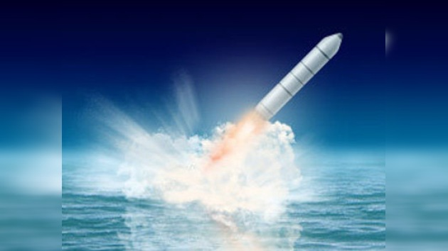Realizado con éxito el primer lanzamiento del misil Bulavá desde debajo del agua