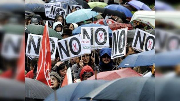 Toda España defiende la Sanidad y la Educación indignada por los recortes de Rajoy