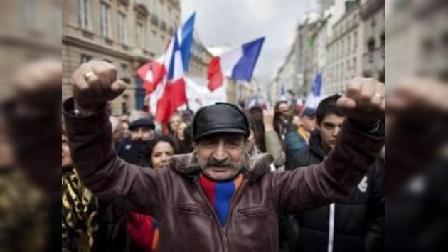 Francia impondrá penas de cárcel a los que niegen el genocidio armenio