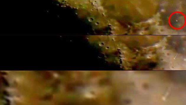 Video: Ovnis 'plantan su bandera' en la Luna