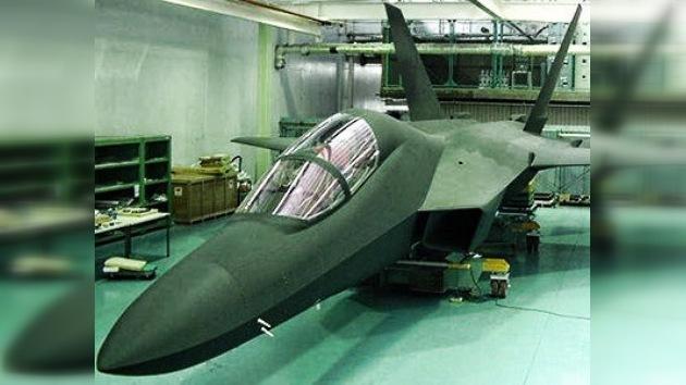 Japón empieza a ensamblar su primer caza 'Stealth'
