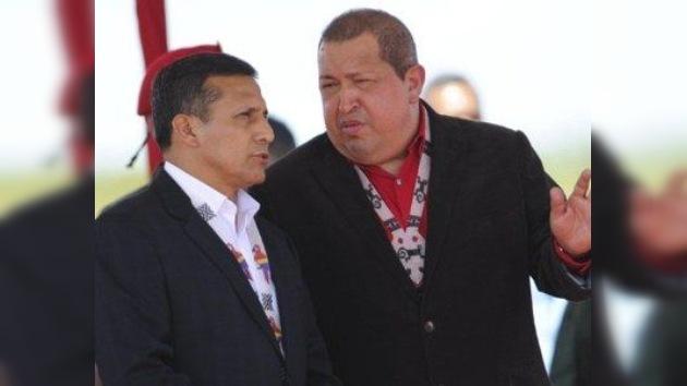 """Chávez recibe a Humala con los brazos abiertos y """"acuerdos estratégicos"""" sobre la mesa"""