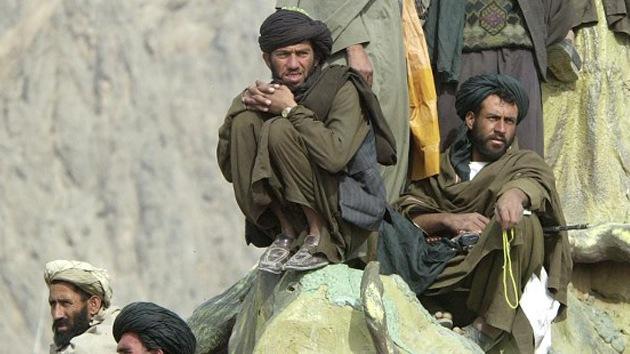 Decapitan en Afganistán a dos menores por buscar comida en la basura