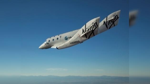 Se realiza el primer vuelo pilotado de la nave suborbital turística