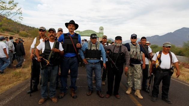 """""""Me gusta tu mujer, ahorita te la traigo"""": El origen de las autodefensas mexicanas"""