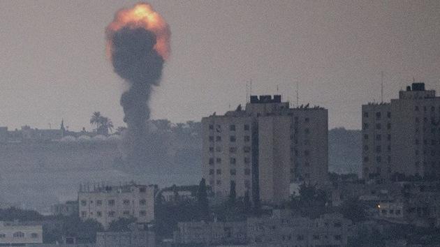 Fuertes imágenes: Los ataques israelíes llenan las calles de Gaza de sangre y llanto