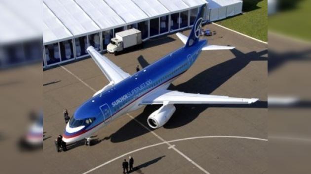 Vuelos comerciales de SuperJet aplazados hasta el verano siguiente