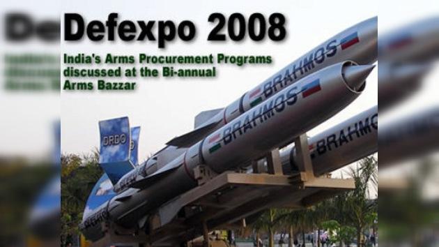 Rusia presenta la mayor oferta militar en DEFEXPO India- 2010