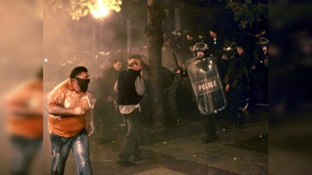 Comunidad internacional condena violenta represión de protestas en Georgia