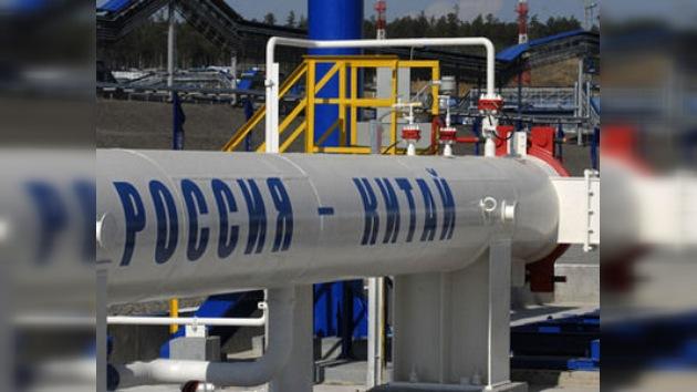 Empieza a funcionar el primer oleoducto entre Rusia y China