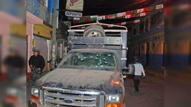 13 muertos y 22 heridos en balacera en México central