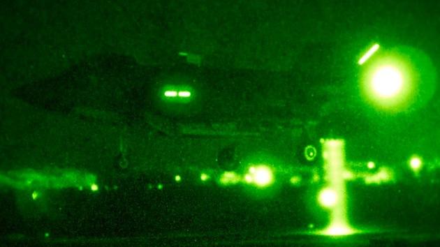 Video: El F-35B realiza su primer despegue corto y aterrizaje vertical nocturno