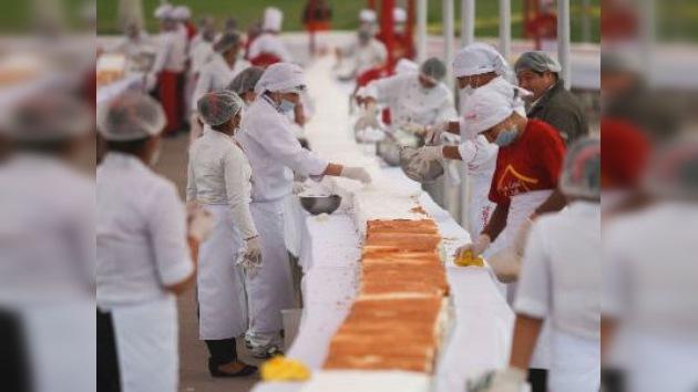 Una torta peruana de 337 metros: el Libro Guiness se postra ante el postre más grande