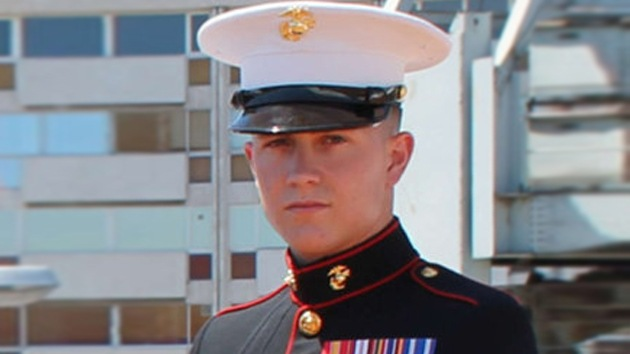Demandan a las autoridades de EE.UU. por perder el corazón de un marine que se suicidó