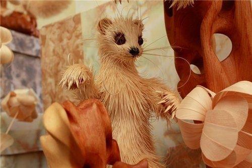 Geppeto siberiano se monta un zoo de serrín