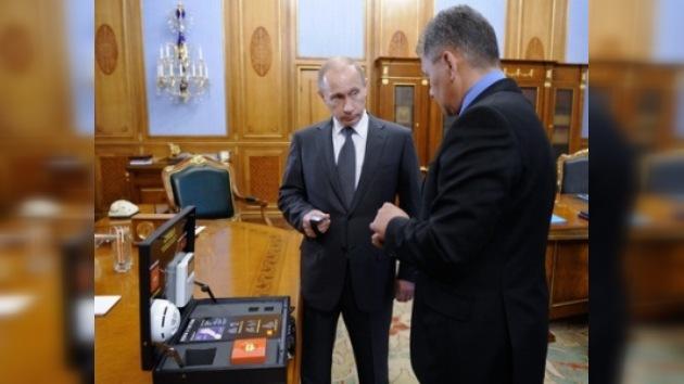 Primer ministro ruso aprobó sistema de pulseras de alarma