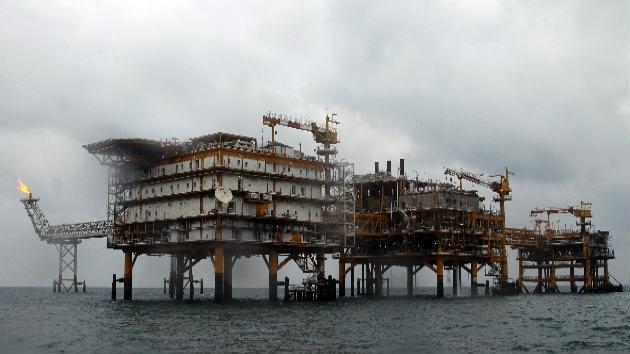 Irán dice que las sanciones de la UE no han afectado a sus exportaciones de petróleo