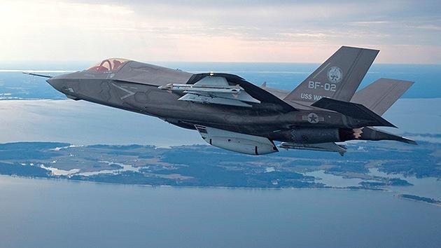 Detienen a un estadounidense por enviar a Irán documentación sobre los cazas F-35