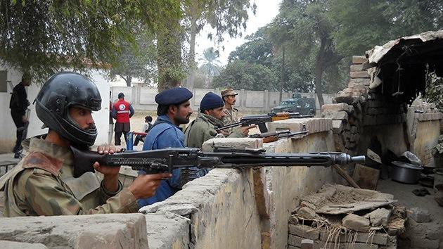 Pakistán: 300 presos huyen tras un ataque contra una cárcel
