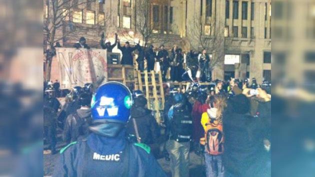 Los indignados de Londres dicen 'good bye' a su campamento