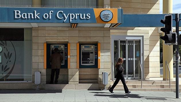 El director del Banco de Chipre presenta su dimisión