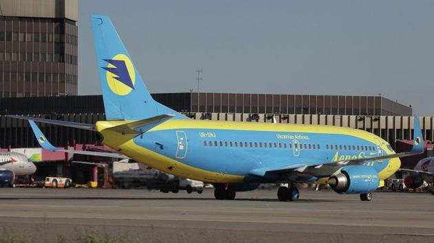 Medvédev: Rusia prohíbe transitar por su espacio aéreo a las aerolíneas ucranianas