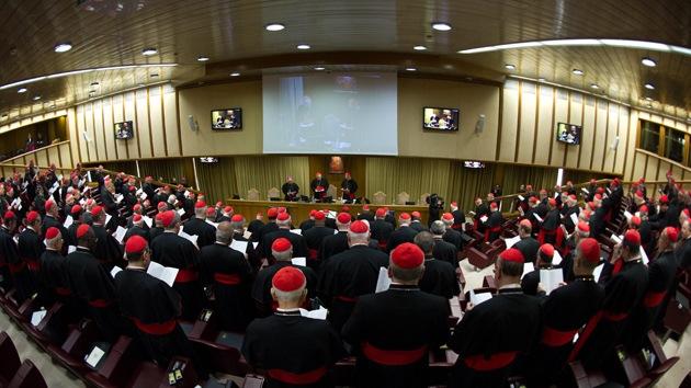 """Vaticano: """"El día del cónclave será el próximo 12 de marzo"""""""