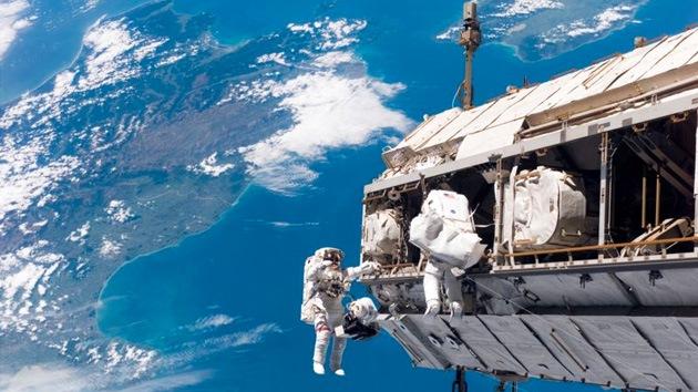 Caminata espacial en la EEI en vivo por RT