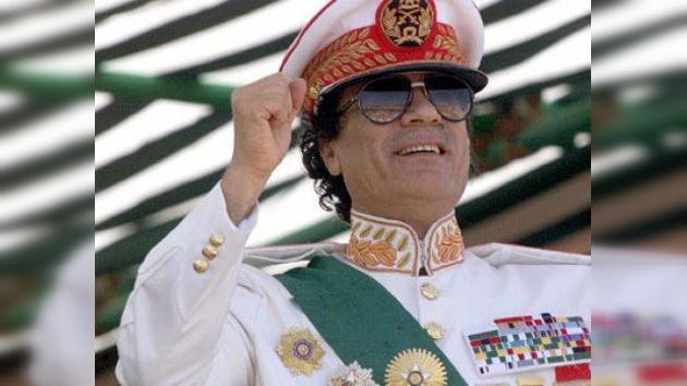 Gaddafi no planeaba escapar de Libia ni tenía miedo, según un colaborador