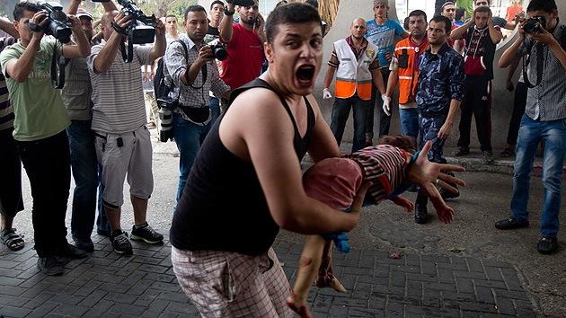 Al menos 80 muertos en el barrio de Gaza bombardeado por Israel
