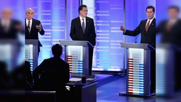 Debates republicanos en New Hampshire: estrecha ventaja de Romney