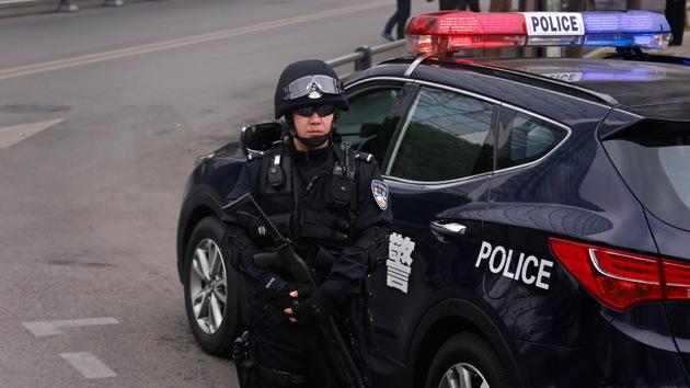 Al menos tres muertos en una explosión en una estación de tren de China
