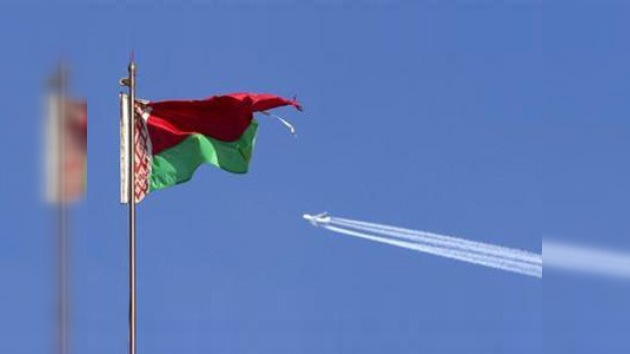 La UE saca a sus embajadores de Bielorrusia