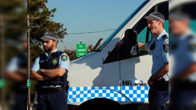 Detienen al sospechoso de atar una bomba falsa al cuello de una australiana