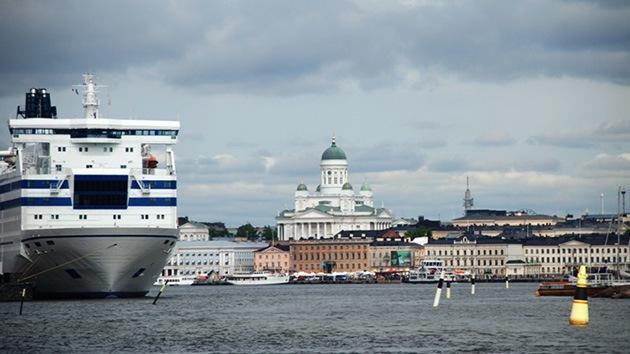 Un cubano sin visado navega mes y medio entre dos aguas por el Golfo de Finlandia