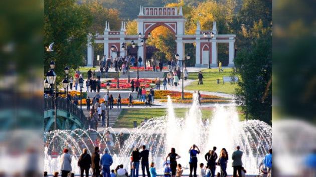 Moscú inaugura la temporada de fuentes