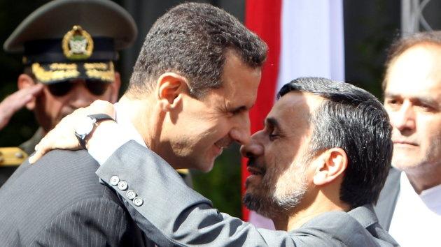 """Irán abre un crédito de 1.000 millones de dólares para Siria que """"enfrenta un complot terrorista"""""""
