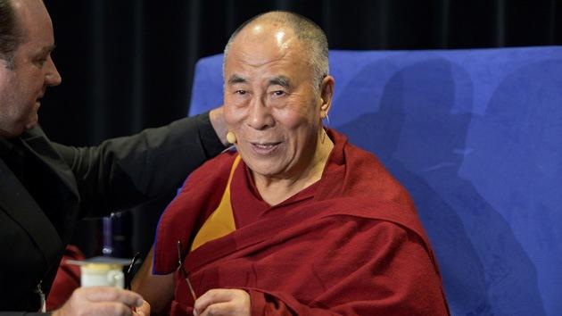 El dalái lama asegura que su sucesor podría ser una mujer