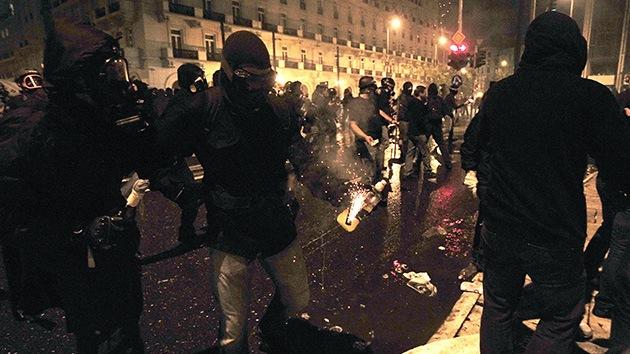 Experto: Grecia corre el riesgo de caer en una guerra civil