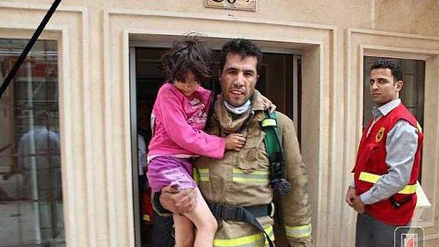 Cuando la muerte da paso a la vida: Un bombero iraní salva vidas después de muerto
