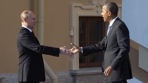 """Veteranos de inteligencia de EE.UU. piden a Obama """"recuperar la confianza de Putin"""""""