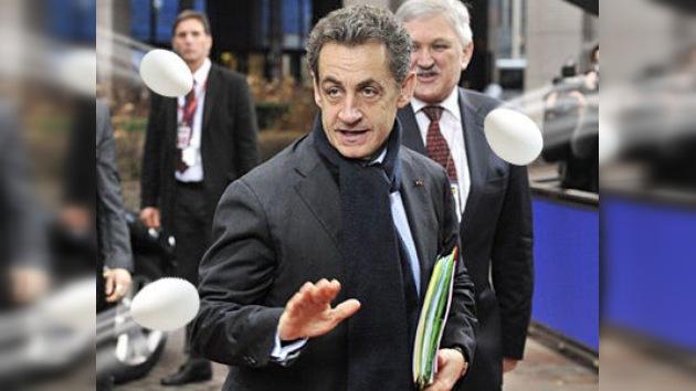 Abuchean a Sarkozy y se refugia en un bar