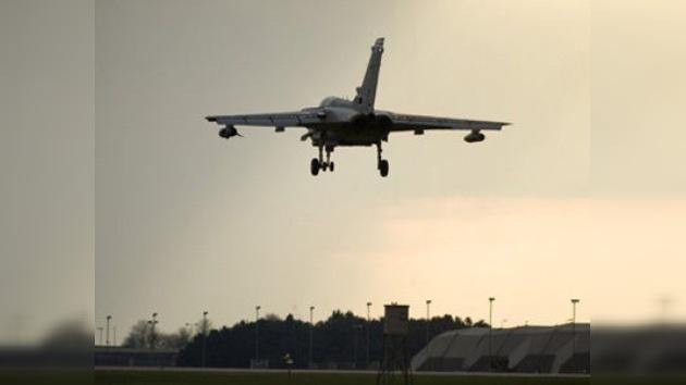 Gran Bretaña empleará bombas más potentes y helicópteros Apache en Libia