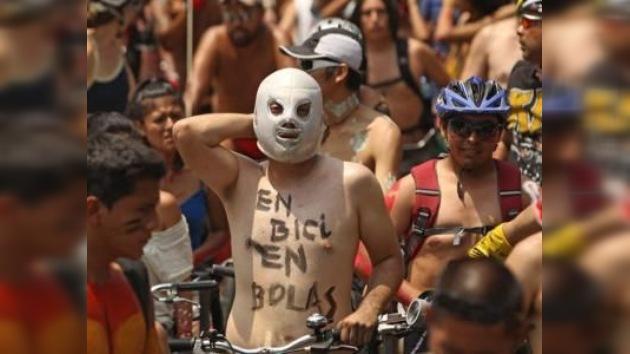 Lima vive una jornada de 'ciclonudismo' para concienciar a los conductores