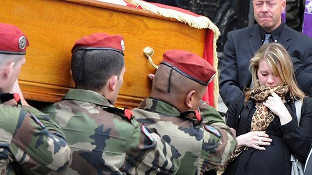 El policía francés abatido por el asesino de Toulouse se casa póstumamente
