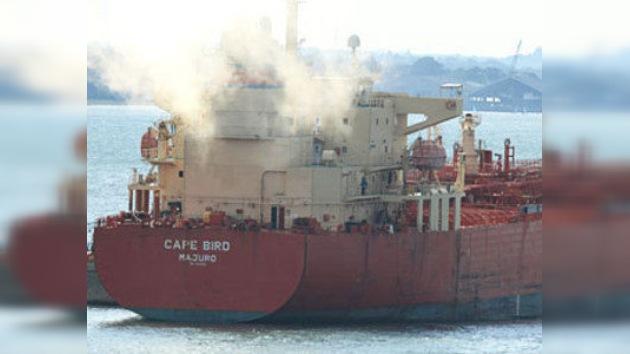 Piratas nigerianos secuestran un buque petrolero con rusos a bordo
