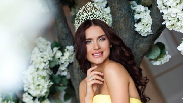 Fotos: Una madre rusa de tres hijos gana Mrs. World 2014