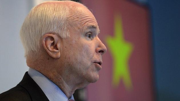 """McCain: """"Los ataques de Obama en Irak no son suficientes"""""""