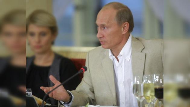 Putin alza la cortina respecto a las elecciones de 2012